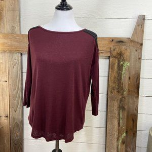 NYJD 3/4 Sleeve Boat Neck Top  NWT